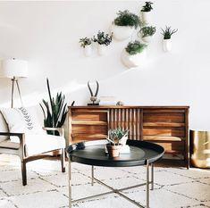 Loving this! #interiordesign#interiordecor#cactus#paradiseheals#homeboard#livingroomdecor#livingroomideas#midcenturymoderndecor#midcentruymodern#bohemiandecor#modernboho