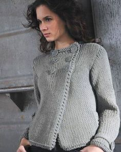 Double-breasted jacket from a thick yarn. Loose Knit Sweaters, Knit Cardigan, Knitting Designs, Knitting Stitches, The Cardigans, Sweaters For Women, Vest Pattern, Free Pattern, Double Breasted Jacket
