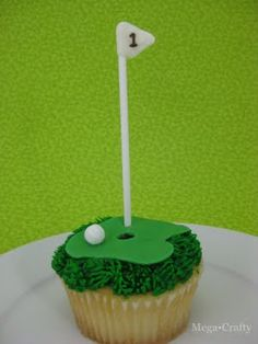 My sweet of the month for June is this Father's Day golf themed cupcake. It's really easy to make- you could even start with store bough. Golf Cupcakes, Themed Cupcakes, Cupcake Cookies, Birthday Cupcakes, Golf Cookies, Edible Crafts, Food Crafts, Fathers Day Cupcakes, Muffins