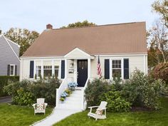 Small-space tricks help a family fit into a tiny Cape Cod, with style to spare. HGTV Magazine takes you inside.