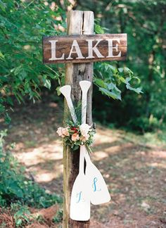 monogrammed oars for a lakeside wedding | Nancy Ray #wedding