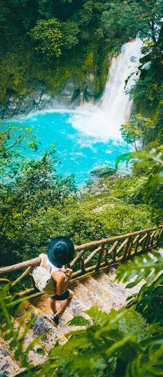 Plan a visit to beautiful Costa Rica with these travel destination tips on where to stay, what to pack and what to see on a vacation to Costa Rica.