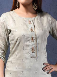Churidhar Neck Designs, Neck Designs For Suits, Sleeves Designs For Dresses, Neckline Designs, Dress Neck Designs, Silk Kurti Designs, Kurta Designs Women, Kurti Designs Party Wear, Kurti Embroidery Design
