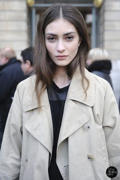 """freakowiak: """" Marine Deleeuw by Kevin Alfaiza after Rochas Fall """" Casual Makeup, Net Fashion, Fashion Fall, Style Fashion, Street Style Blog, Parisian Chic, Simple Style, How To Look Pretty, Style Guides"""