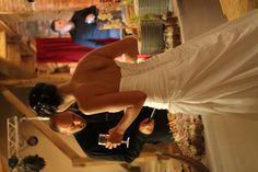 Robe de mariée Oréa Sposa Collection 2013    Vends robe de mariée en satin taille 34/36 couleur Ivoire avec ou sans accessoires (jupon 2 cerceaux, voile) portée pour mon mariage au mois de juin 2013.  Elle sort de chez le pressing.    Prix de la robe uniq