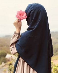 ✔ Couple Outfits For Pictures Simple Arab Girls, Muslim Girls, Muslim Couples, Muslim Women, Hijabi Girl, Girl Hijab, Hijab Hipster, Simple Hijab, Niqab Fashion