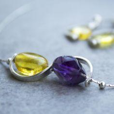 Ha azt hitted, a borostyán egy letűnt kor ékszere, tévedsz! Gemstone Rings, Gemstones, Jewelry, Jewlery, Gems, Jewerly, Schmuck, Jewels, Jewelery