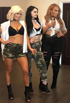 WWE gorgeous ravishing Russian Lana, general manager of wwe smackdowns live Paige and wwe Raw Nia Jax. Wrestling Superstars, Wrestling Divas, Women's Wrestling, Wwe Divas Paige, Paige Wwe, Wwe Wrestlemania 34, Lana Wwe, Gorgeous Ladies Of Wrestling, Cj Perry