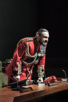 One of the most incredible and powerful experiences of my whole life. // Martin Freeman as Richard III.