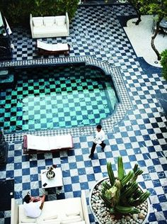 Marrakesh via wit + delight. Oh my gosh. This is absolutly fabulous!!!! Perfect fit for my obssiveness with checkered things! <3!! #pool #marble #yard