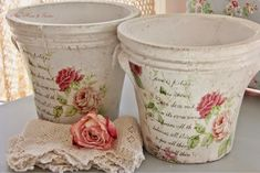 Risultati immagini per macetas decoupage vintage Clay Pot Crafts, Diy And Crafts, Arts And Crafts, Paper Crafts, Painted Clay Pots, Painted Flower Pots, Vasos Vintage, Manualidades Shabby Chic, Shabby Chic Crafts