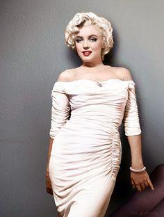 Marilyn Monroe colorized by Klimbims Fotos Marilyn Monroe, Marilyn Monroe Artwork, Divas, Meg Ryan, Old Hollywood Glamour, Classic Hollywood, Julia Roberts, Sophie Marceau, Moda Boho