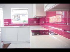 """MIRROR STRIPES -TELEMAGENTA- KITCHEN SPLASHBACK"". Installation video by CreoGlass Design (London, UK). View more glass kitchen splashback and non-scratch glass worktops on http://www.creoglass.co.uk/kitchen-worktops/ #kitchen #magenta"