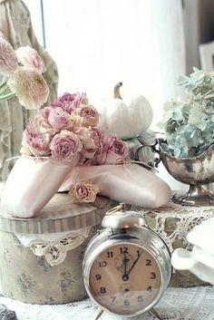 トゥ・シューズ…ピンクのお花が似合います❤                                                                                                                                                                                 もっと見る