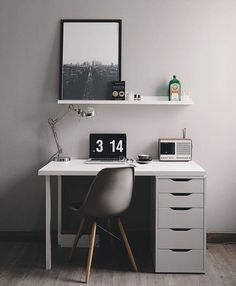 Browse pictures of home office design. Here are our favorite home office ideas that let you work from home. Shared them so you can learn how to work. Study Room Decor, Room Setup, Room Ideas Bedroom, Diy Bedroom Decor, Home Decor, Home Room Design, Home Office Design, House Design, Home Office Setup