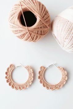 Crochet Jewelry Patterns, Crochet Earrings Pattern, Crochet Accessories, Crochet Brooch, Crochet Jewellery, Geode Jewelry, Diy Jewelry, Handmade Jewelry, Jewelry Ideas