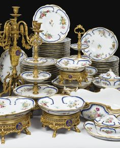A PARIS PORCELAIN AND GILT-BRONZE SERVICE, SECOND HALF OF 19TH CENTURY