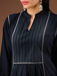Simple Kurtis, Neck Lines, Kurti Neck Designs, Dress Tutorials, Churidar, Indian Designer Wear, Embroidery Ideas, Indian Wear, Palazzo
