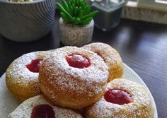 Pillekönnyű szalagos fánk 🍩   Anica Orosz receptje - Cookpad receptek Churros, Doughnut, Halloween Party, French Toast, Food And Drink, Cooking, Breakfast, Cake, Recipes