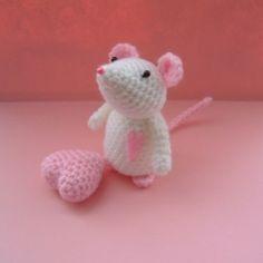 Valentine's+crochet | valentine mouse crochet