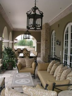 Oh how I would love to have this porch!