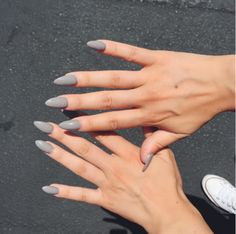 In search for some nail designs and ideas for the nails? Here is our list of 22 must-try coffin acrylic nails for stylish women. Cute Nails, Pretty Nails, Gray Nails, Nagel Gel, Almond Nails, Gorgeous Nails, Christmas Nails, Simple Christmas, Nails Inspiration