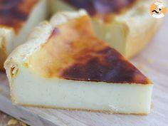 The custard tart is famous all around the globe : flan pâtissier in France, Pasteis de nata in Portugal or pinyin dàn tà in China, everyone loves it ! Bon Dessert, Dessert Drinks, Dessert Recipes, Keto Recipes, Cooking Recipes, Custard Tart, I Chef, Sweet Bar, Lemon Desserts