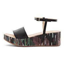 Sandal Shops, Fringes, Black Sandals, Spring Summer, Fashion, Fashion Styles, Branding, Black Flat Sandals, Moda