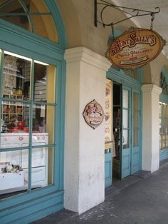 Aunt Sally's Original Creole Pralines - New Orleans - located on Decatur Street near Cafe Du Monde - the best!