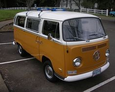 1971 VW Bus | 1971 Volkswagen Deluxe Bus Sierra Yellow, Vw Type 2 on 2040cars