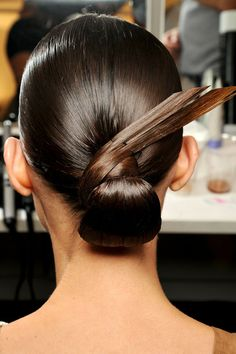 'Structure and Architecture' describe the hairstyle @ Gucci SS2013