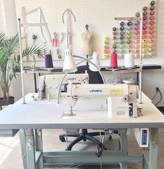 Sewing Room Design, Sewing Room Decor, Craft Room Decor, Sewing Spaces, Sewing Room Organization, Sewing Studio, Sewing Rooms, Room Decorations, Small Craft Rooms