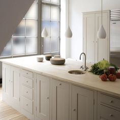 Bespoke Shaker Kitchens -feature lighting