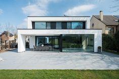 Villa Design, Modern House Design, Casas Country, Morden House, Casa Top, Farmhouse Front Porches, House Extension Design, Minimal Home, Village Houses