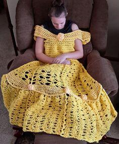Estas mantas de princesa de ganchillo parecen vestidos de princesas de Disney cuando se usan.   Las mantas inspiradas en princesas de Dis...