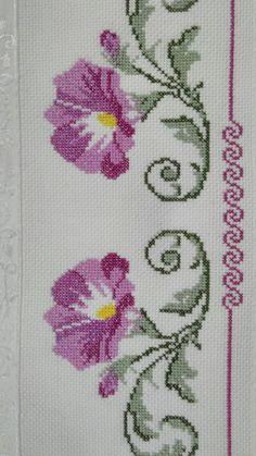 Cross Stitch Cards, Cross Stitch Borders, Cross Stitch Embroidery, Cross Stitch Patterns, Butterfly Cross Stitch, Cross Stitch Flowers, Baby Dress Patterns, Tola, Crochet Kitchen
