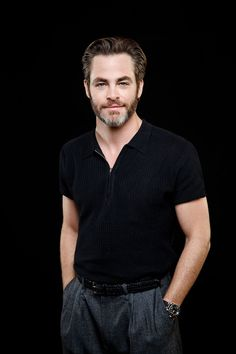 Chris Pine photographed by Jay L. Clendenin for Los Angeles Times Chris Pine, Star Trek Crew, Charlie Carver, Chris Pratt, To My Future Husband, Future Baby, Beard Styles, Gentleman, Mens Tops