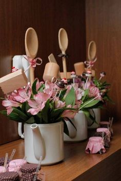 59 best Ideas for rustic bridal shower gifts center pieces Decoration Plante, Decoration Table, Kitchen Shower Decorations, Bridal Shower Centerpieces, Party Centerpieces, Bridal Shower Rustic, Bridal Shower Gifts, Kitchen Bridal Showers, Deco Floral