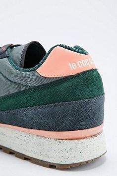#wishlist  Le Coq Sportif - Baskets Eclat vert pin - Urban Outfitters