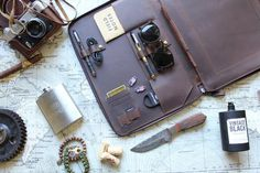 "LEATHER - MACBOOK 13"" PORTFOLIO DOCUMENT ORGANIZER (PRE-ORDER)"