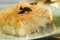 Galaktoboureko with kataifi Greek Sweets, Greek Desserts, Party Desserts, Greek Recipes, Kunafa Recipe, Cooking Time, Cooking Recipes, Greek Pastries, Cake Recipes