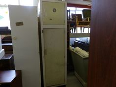 Tall cupboard (on the right)  ------------------------- £10 (pc572)