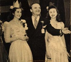 James Cagney, 1942 with two lovely girls.