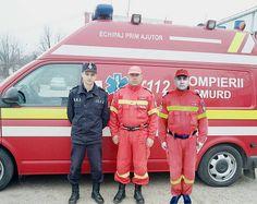 O tânără din Vărăști a născut acasă ajutată de trei paramedici SMURD - http://voceagiurgiului.ro/eveniment/o-tanara-din-varasti-a-nascut-acasa-ajutata-de-trei-paramedici-smurd/