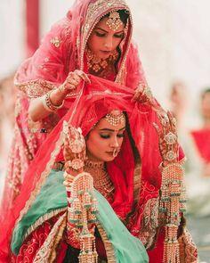 Fashion Gallery :: Khush Mag - Asian wedding magazine for every bride and groom planning their Big Day Sikh Bride, Punjabi Bride, Punjabi Wedding, Sikh Wedding, Wedding Updo, Bouquet Wedding, Wedding Nails, Wedding Jewelry, Wedding Reception