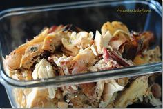 Chicken and bacon crockpot paleo meal. Looks super easy- only a few ingredients!