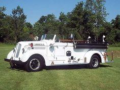 Cobleskill, New York 1944 Seagrave, 750 GPM - 200 Tank open cab pumper....