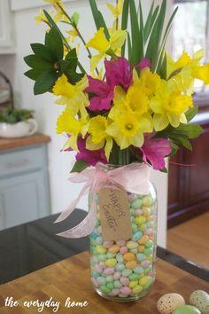 Easy Mason Jar Easter Centerpiece | The Everyday Home | www.everydayhomeblog.com