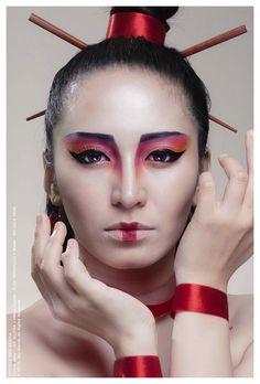 moderne geisha – ThePiratedChinita # geisha - Make Up Geisha Makeup, Geisha Hair, Makeup Art, Beauty Makeup, Eye Makeup, Catwalk Makeup, Chinese Makeup, Look Festival, Fantasy Make Up