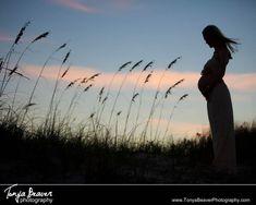 A silhouette at a maternity photo shoot! Beach maternity shoot at sunset… Maternity Photography Tips, Sunset Maternity Photos, Sunset Photography, Maternity Pictures, Pregnancy Photos, Photography Poses, Silhoutte Photography, Maternity Silhouette, Fernandina Beach